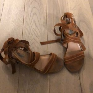 Steve Madden chestnut wrap up low heel